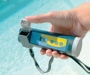 Scuba immersible test device