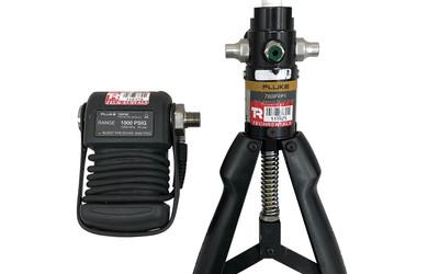 Fluke pressure transducer and pump