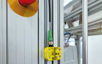 Phoenix Contact PSRmini safety switch system with IO-Link