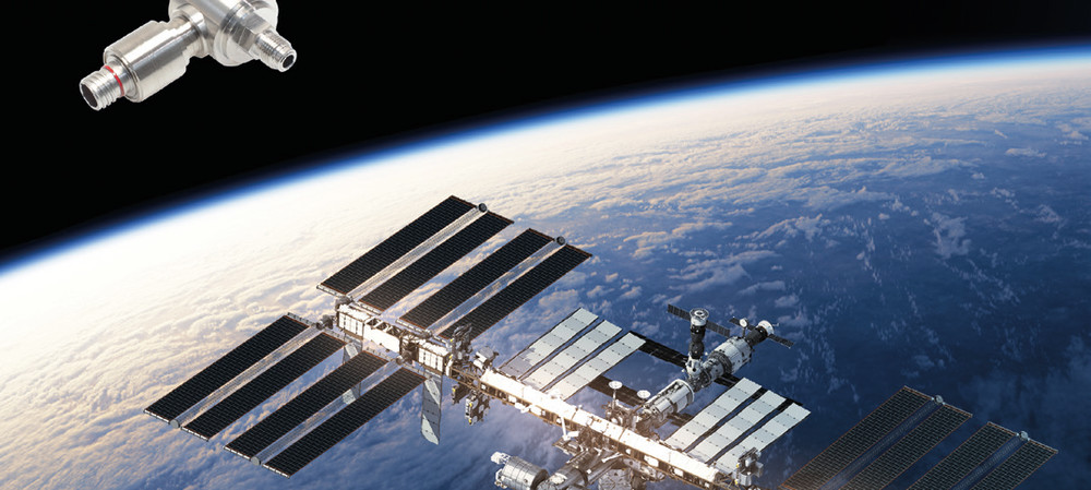 CO2 recycling and pressure measurement in space
