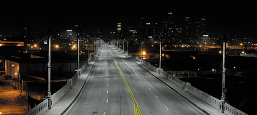 Controlling the output of LED streetlights