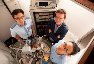 Researchers measure accuracy of silicon two-qubit operations