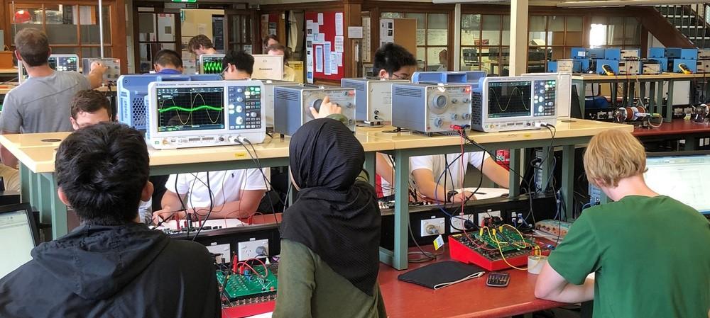 Oscilloscope upgrade at the University of Sydney