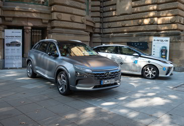 Fuel cell vehicles on the global agenda