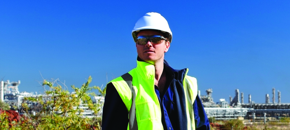 Do's and don'ts of hard hat accessorising