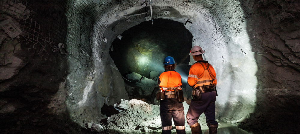 Mining industries: hearing loss prevalance and risk