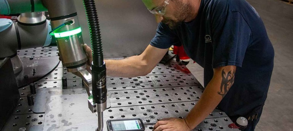 Robotic welder automates arc welding with no capital investment
