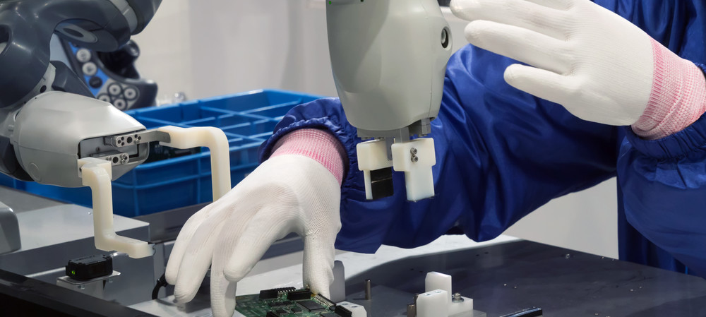 Collaborative robots: application benefits for manufacturers