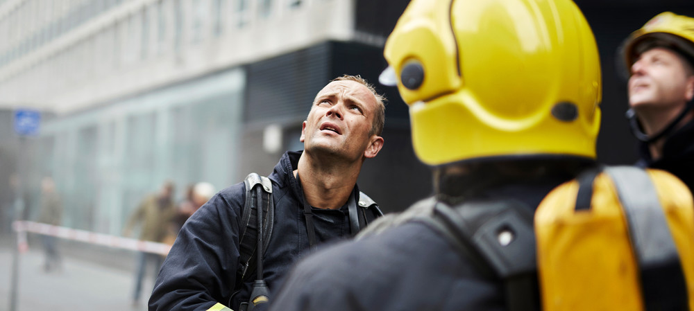 Prioritising public safety in MNOs' LTE and 5G networks