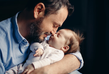 'Breastfeeding' hormone present in new dads