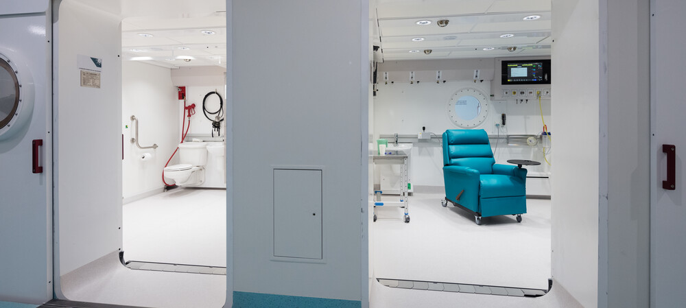 RHH opens medical hyperbaric chamber