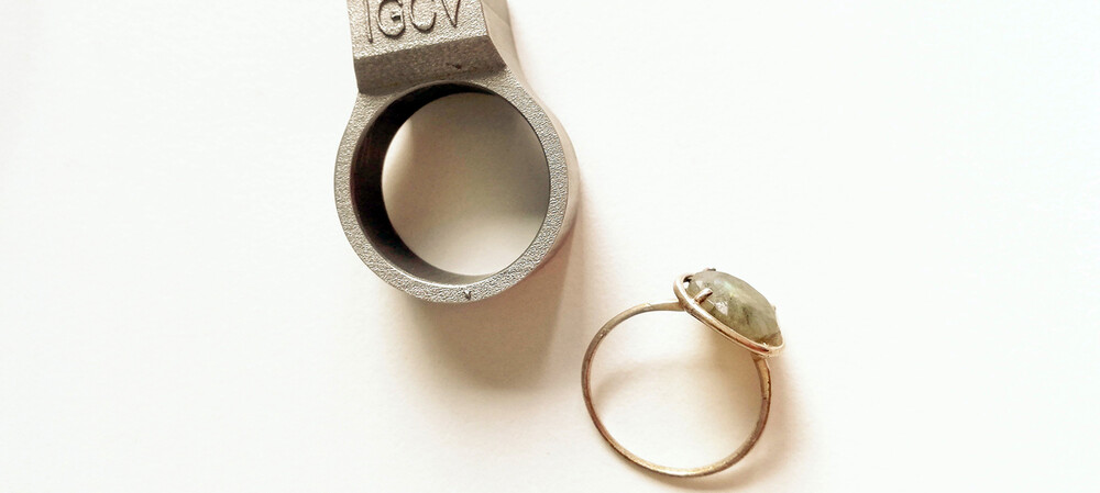 Smart finger ring features an integrated RFID chip