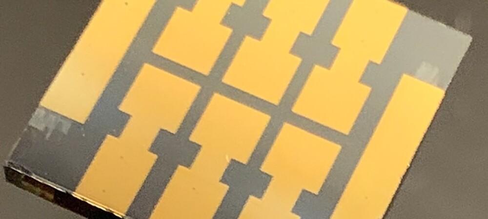 'Molecular glue' makes perovskite solar cells more reliable