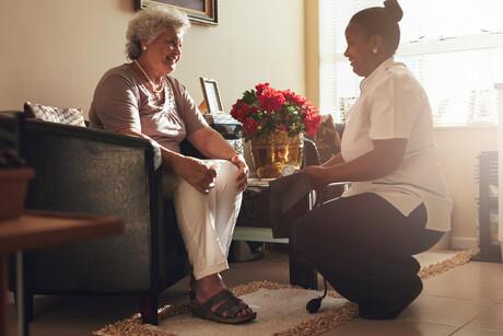 Comment la technologie peut transformer le secteur des soins aux personnes âgées pour améliorer les soins aux patients