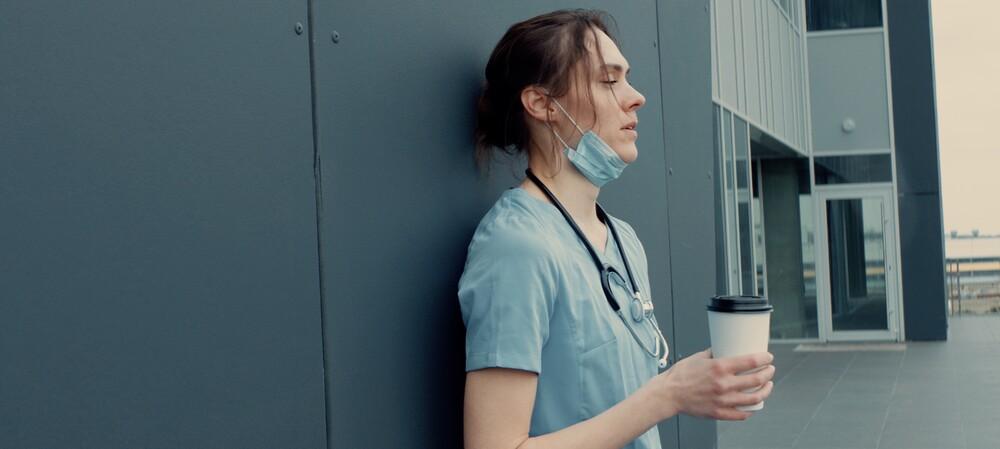"""Nursing: a profession under """"enormous stress"""""""